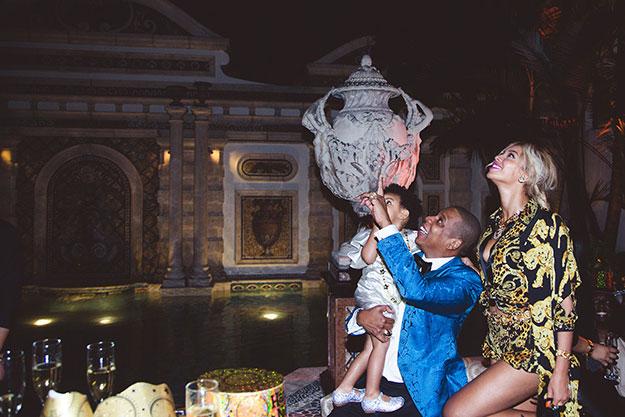 Beyonce-Jay-Z-Blue-Ivy-Carter