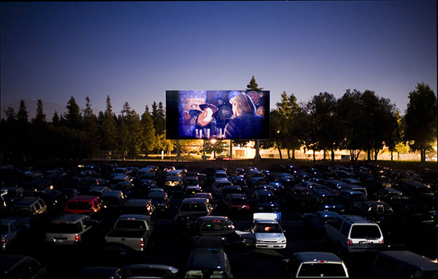 Drive-In-Couple-Movie