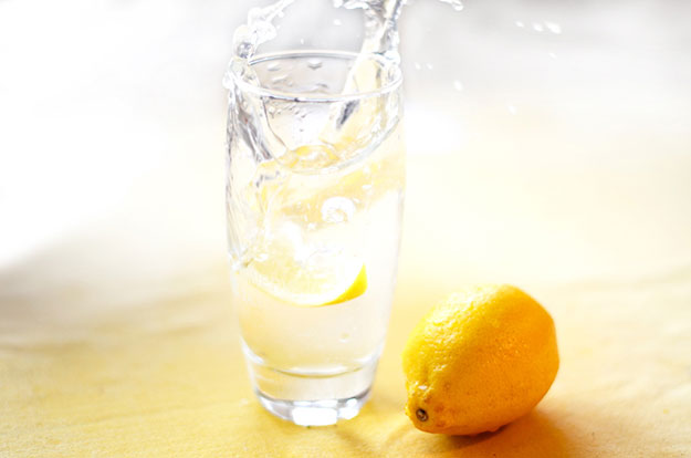 Healthy-Water-With-Lemon