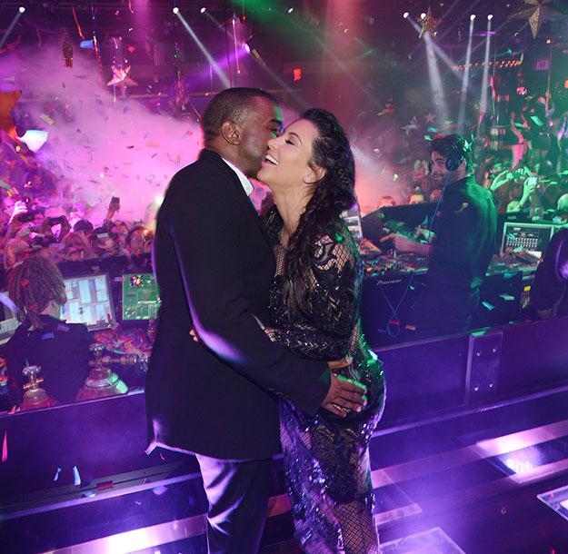 New-Years-Eve-Kiss