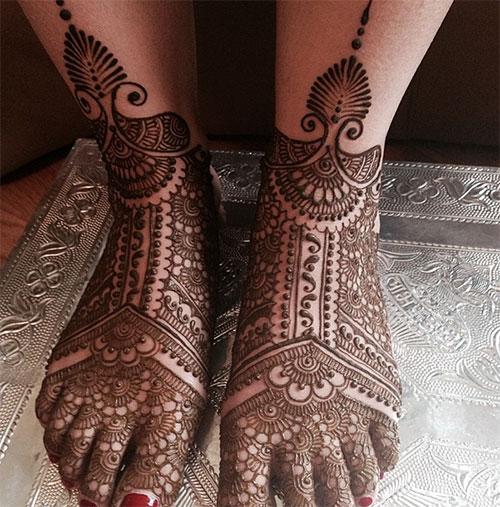 Symmetrical Henna Design