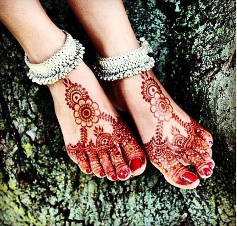 Maroon Foot Henna