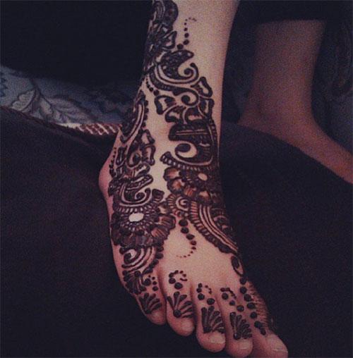 Bold Foot Henna Design