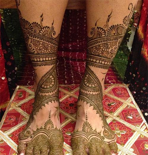 Statement-Making Foot Henna