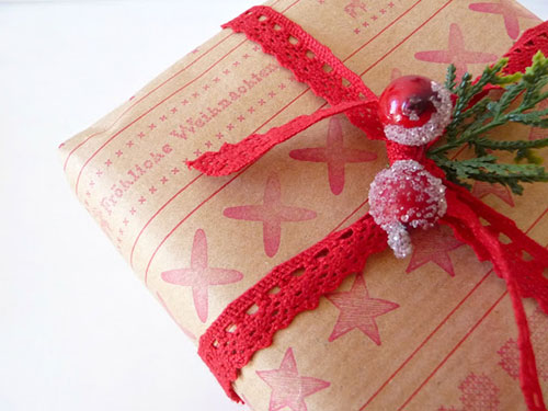 Brown Paper Lace Christmas Gift Wrapping