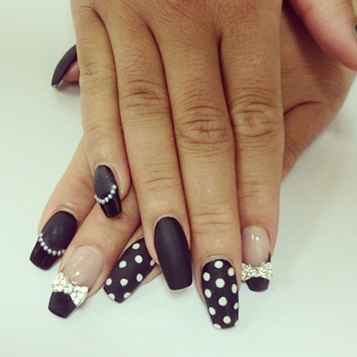 Long Polka Dot Black Matte Nails