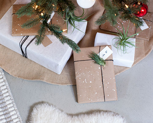 Painted Kraft Paper Christmas Gift Wrapping