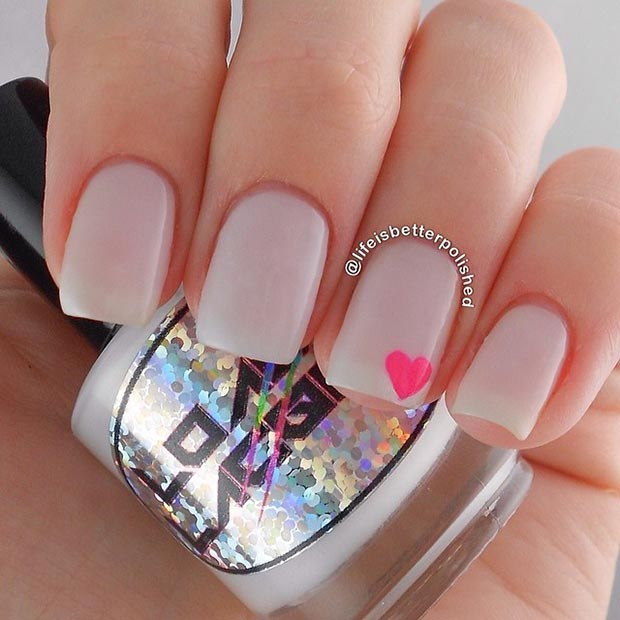Elegant Simple Heart On Accent Nail