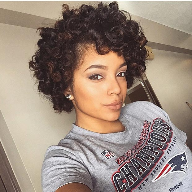 Short  Bouncy Curls Hairstyle for Black Women