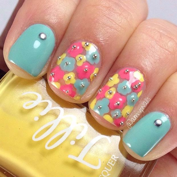 Short Floral Nail Art Design