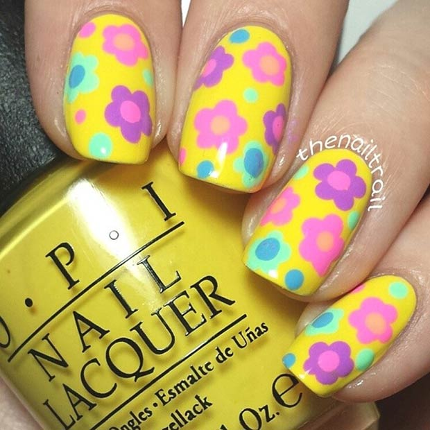 Retro Flower Nails