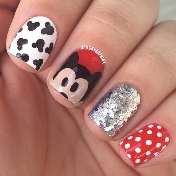 Instagram / nailsbysophiaa - 21 Super Cute Disney Nail Art Designs StayGlam