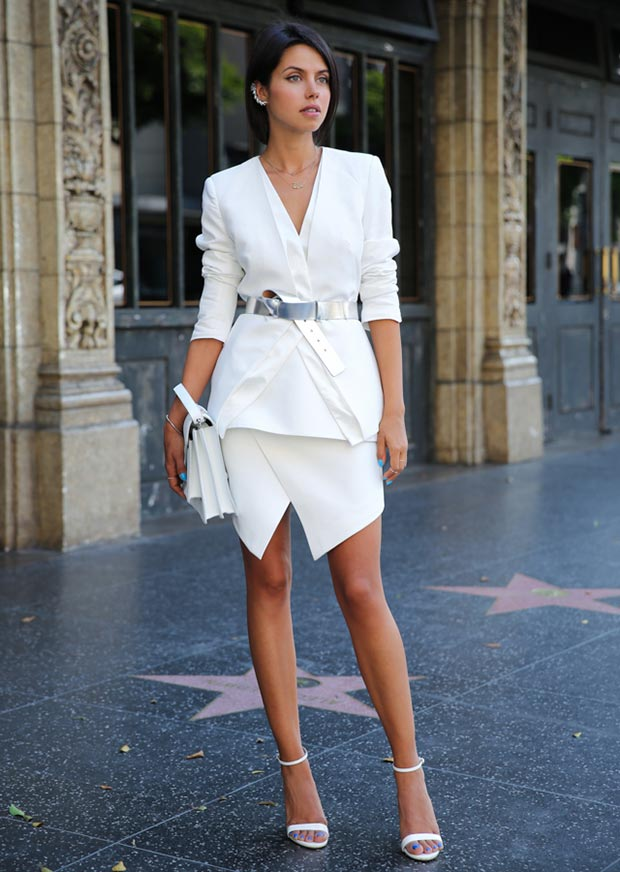 White-Skirt-and-Blazer-Outfit All White Party Dress Ideas for Women-19 Perfect White Outfits