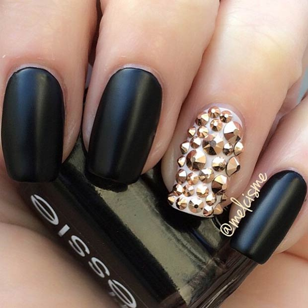 Simple Black and Gold Nail Design