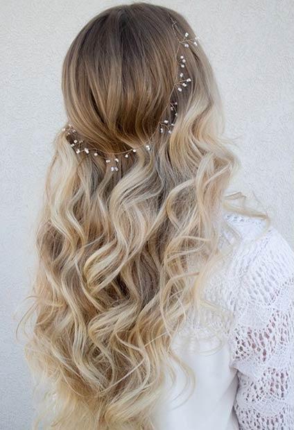 Soft Curls + Wedding Wreath