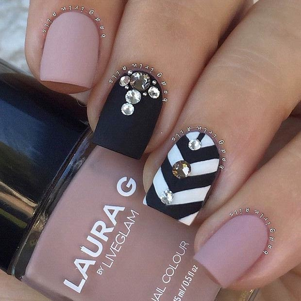 Chevron Accent Nail. Instagram / badgirlnails - 25 Matte Nail Designs You'll Want To Copy This Fall StayGlam