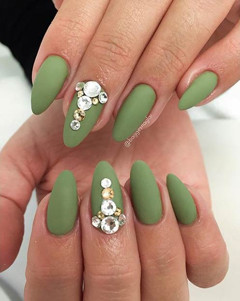 Instagram / baggesnaglar - 25 Matte Nail Designs You'll Want To Copy This Fall StayGlam