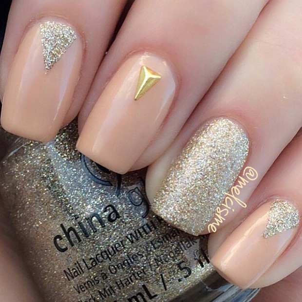 Simple Peach and Gold Nail Design - 55 Super Easy Nail Designs StayGlam