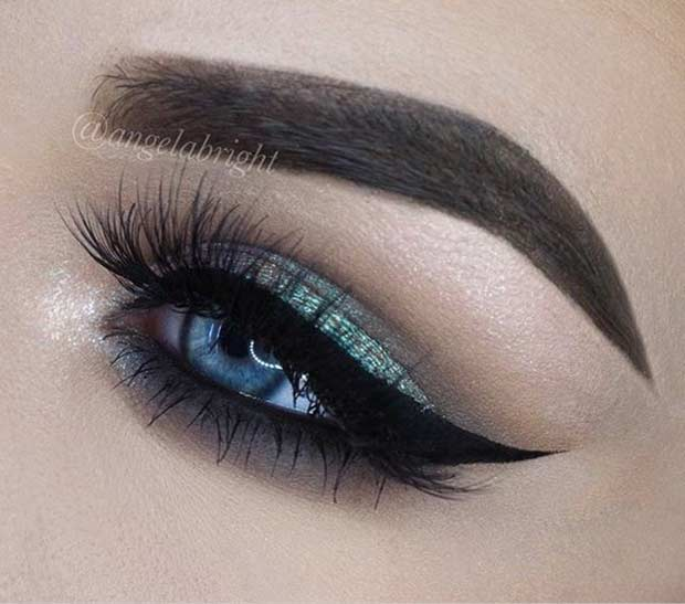 Green Smokey Eye Look for Blue Eyes