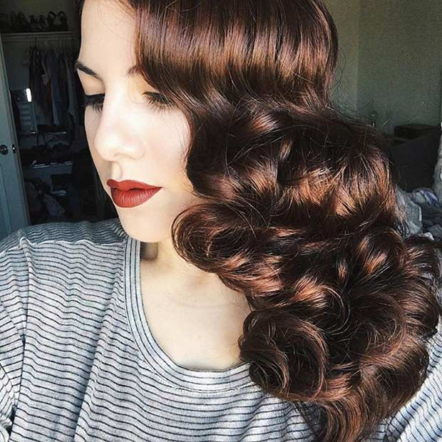 Vintage Curls to the Side