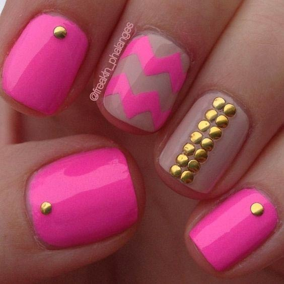 Pink Chevron Nail Design for Summer