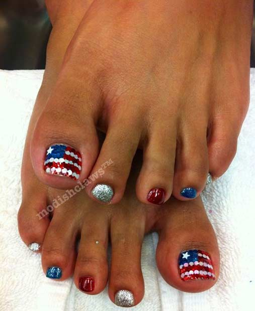 Bling Toe Nail Design for the 4th of July - 31 Patriotic Nail Ideas For The 4th Of July Page 3 Of 3 StayGlam
