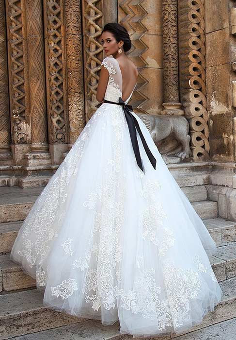 White Princess Ball Gown Wedding Dress