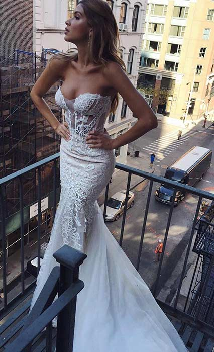 Sexy strapless wedding dresses