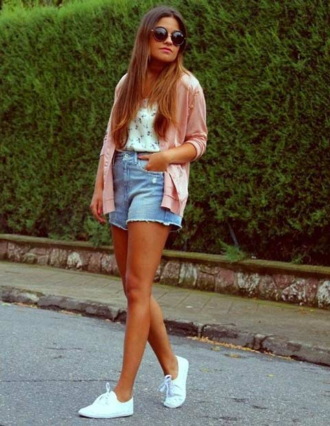 Casual Denim Shorts Outfit for Summer