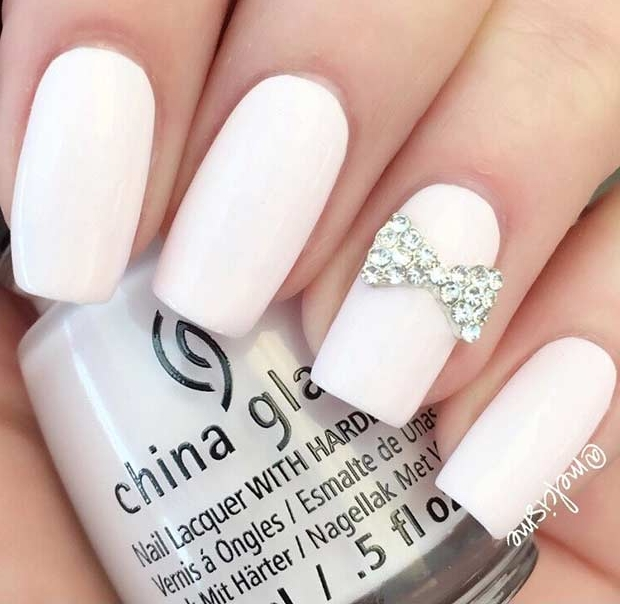 21 Chic White Acrylic Nails to Copy | Page 2 of 2 | StayGlam