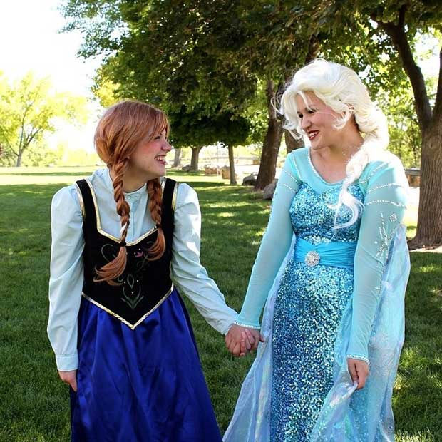 Anna and Elsa BFF Halloween Costume Idea