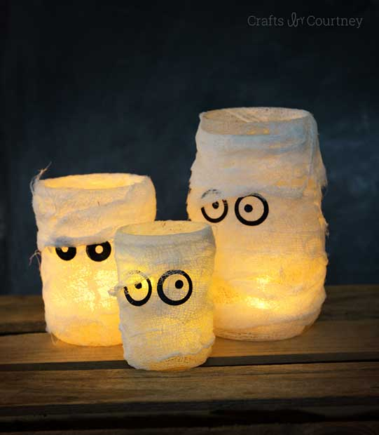 Ghost Mason Jars DIY Halloween Decoration