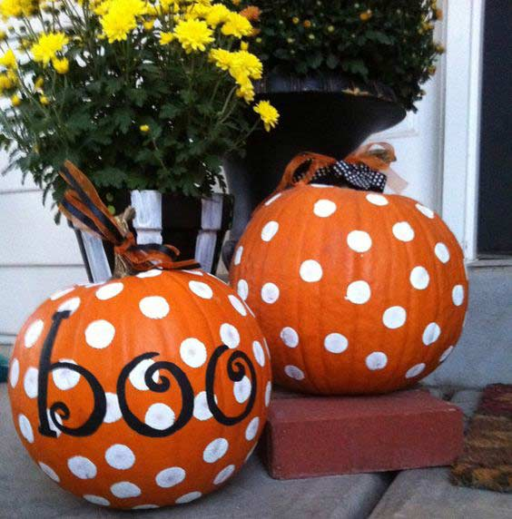 Polka Dot Pumpkins DIY Halloween Porch Decoration