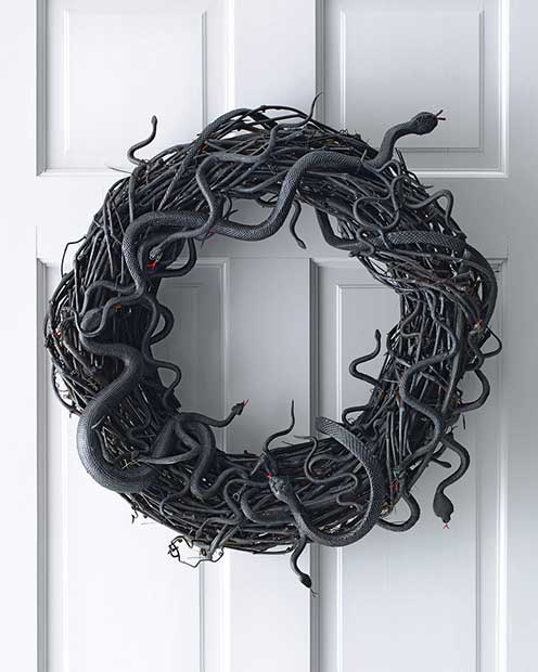 Wriggling Snake Wreath for Halloween
