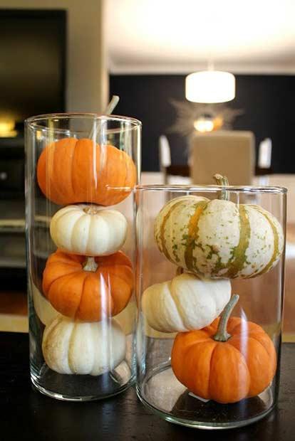 Easy Thanksgiving Pumpkin Vase Decor