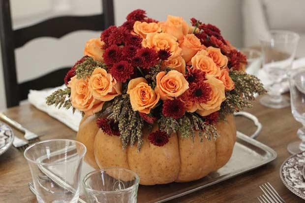 DIY Pumpkin Vase Centerpiece for Thanksgiving