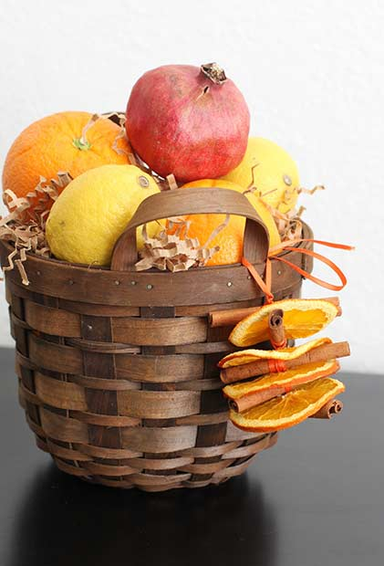 DIY Thanksgiving Basket Centerpiece