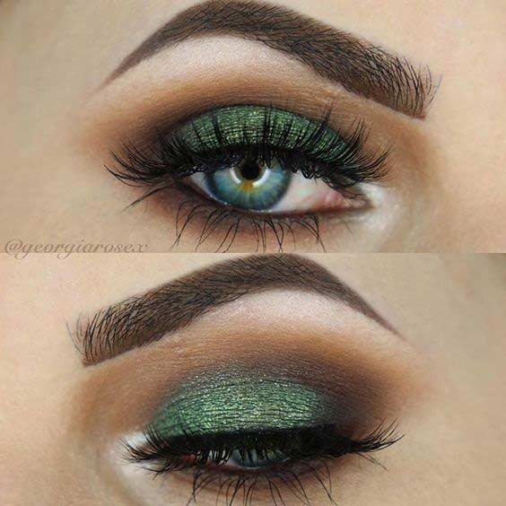 Dark Green Smokey Eye Look for Christmas