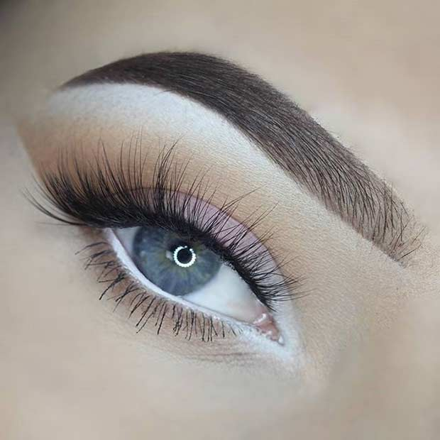 White eyeshadow look