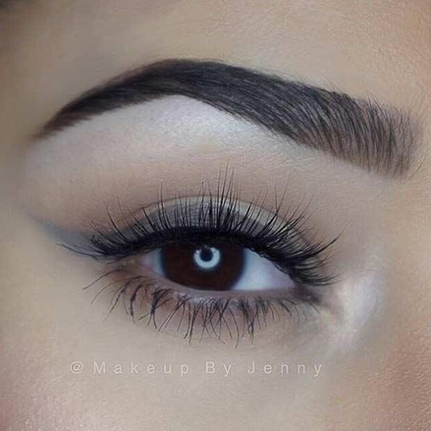 Grey Winged Liner Everyday Makeup Look