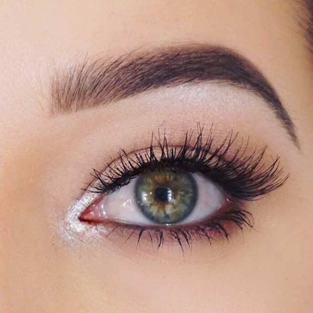 Pop of Highlight Everyday Makeup Look