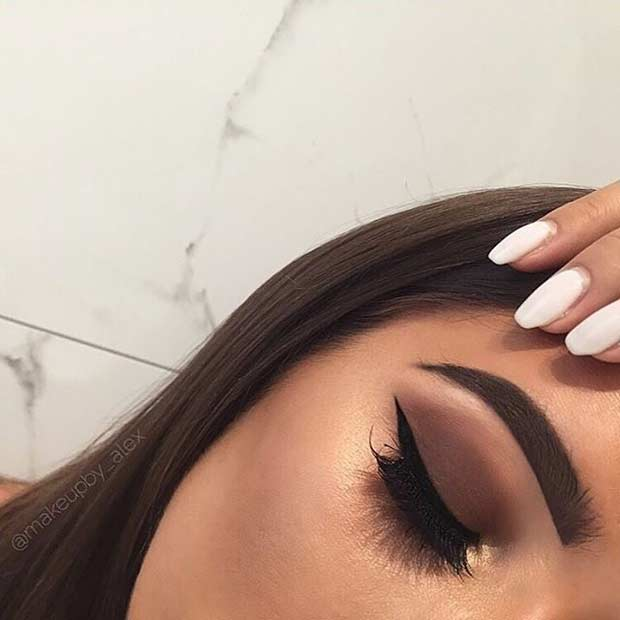 Matte Brown Smokey Eye with a Pop of Gold