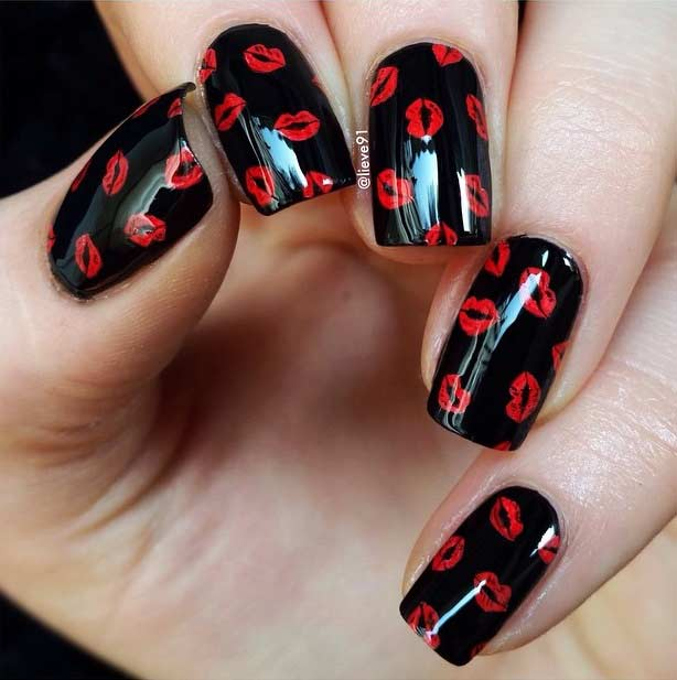 Black and Red Kisses Nail Art Design