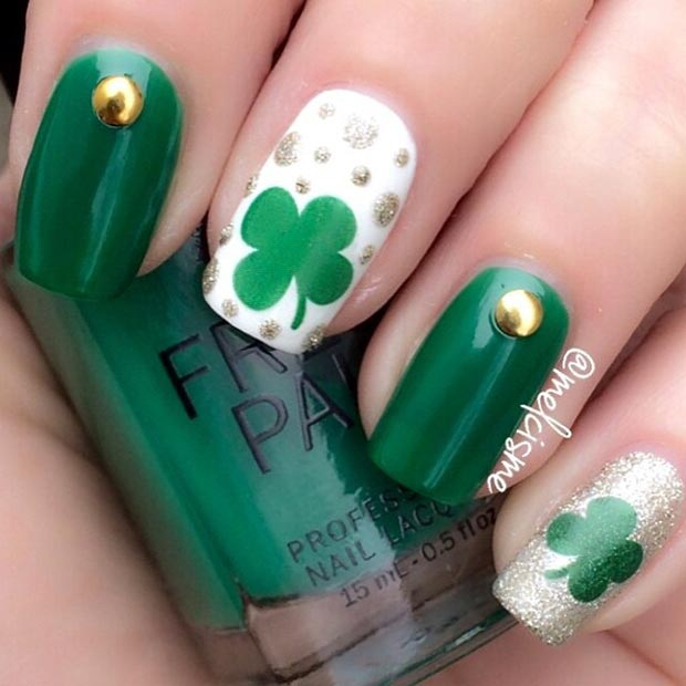 Easy Clovers Nail Design for St Patrick's Day