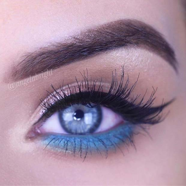 Black and Blue Eyeliner Spring Makeup Idea