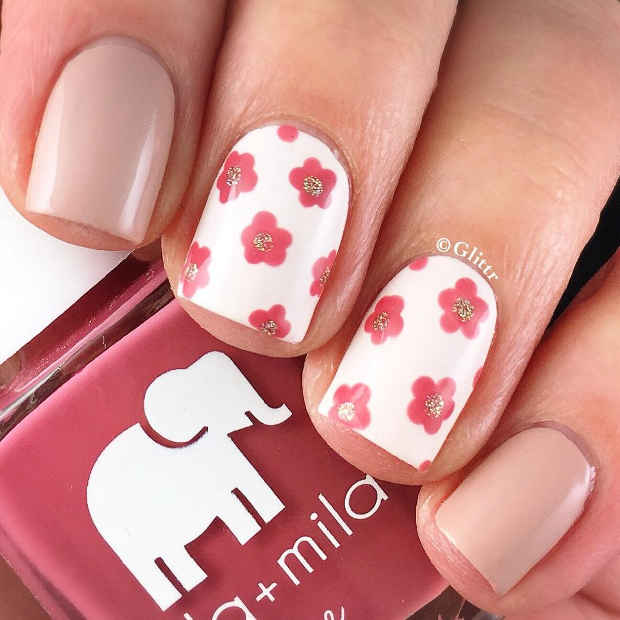 21 gorgeous floral nail designs for spring page 2 of 2 stayglam white nails with pink flowers and gold glitter for spring 2017 mightylinksfo