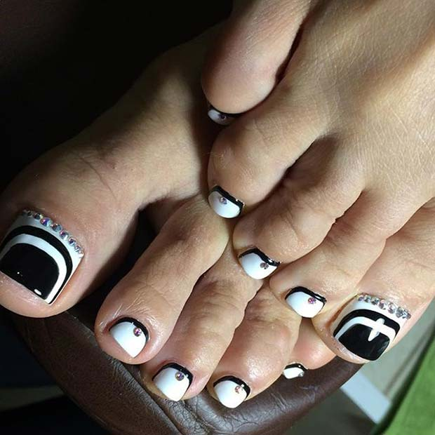 Black and White Toe Nail Design for Spring