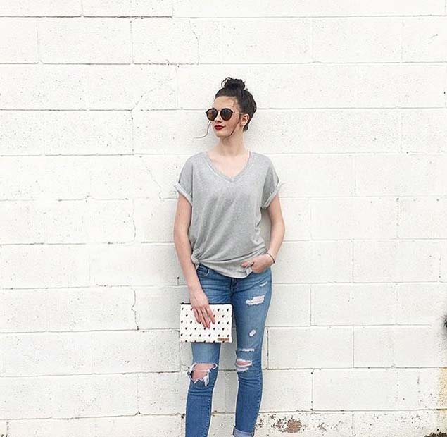 Casual T-shirt and Jeans for Spring 2017 Women's Outfit Idea