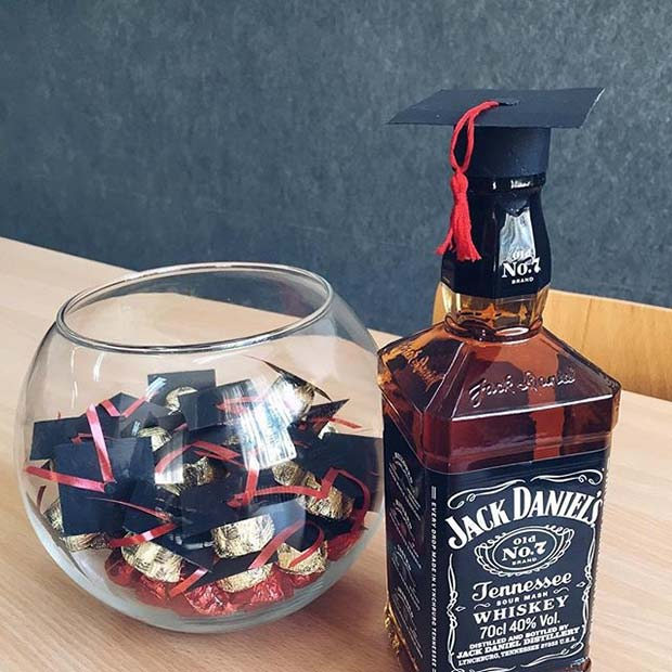 Grad Cap Candy and Drink Topper