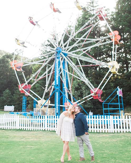 Carnival Ferris Wheel Photo for Romantic Engagement Photo Idea